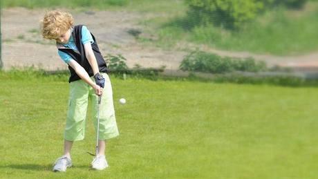Dětský golf - ilustrační.