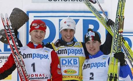 Pavel Churavý (vlevo), Jason Lamy Chappuis a Alessandro Pittin (vpravo)