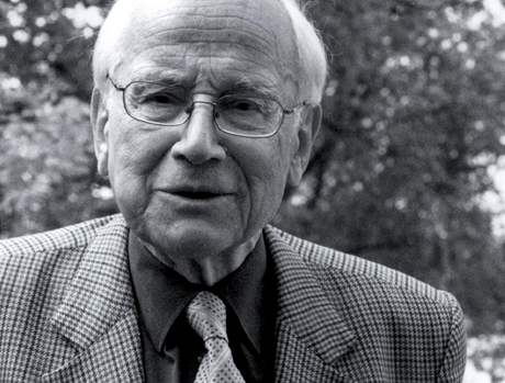 Rudolf Zahradník na obálce své knihy Laboratorní deník, kterou před časem vydalo nakladatelství Academia