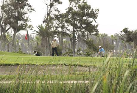 Golf Country Club de Villa u Limy v Peru.