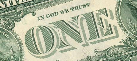 """Nápis """"In God We Trust"""" (věříme v Boha) na jednodolarové bankovce"""