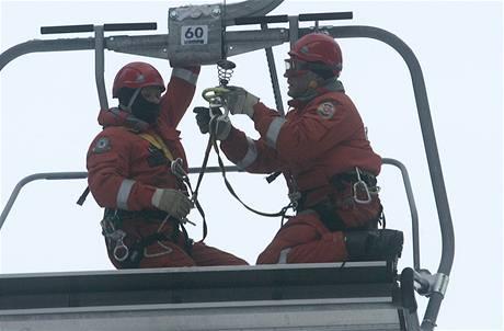 Cvičení záchranářů na Špičáku (27.1.2010)