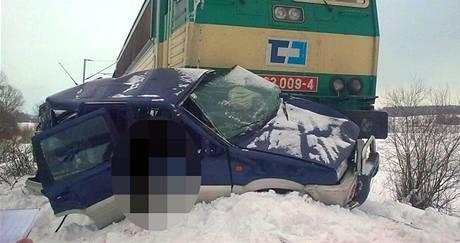 Tragická srážka osobního vozu s nákladním vlakem u Újezdu u Chocně. (28. ledna 2010)