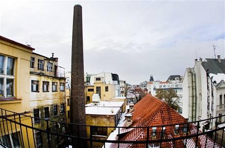 Ve vnitrobloku mezi Václavským náměstím a ulicemi Panská, Na Příkopě a Jindřišská má vyrůst obří obchodní centrum. Vnitroblok s komínem je vidět z jediného místa - ze slepé ulice V Cípu.