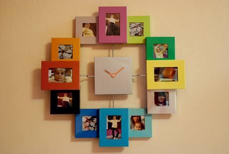 Originální hodiny vznikly kombinací obyčejného ciferníku a rodinných fotografií