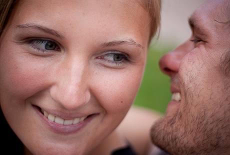 Škola svádění: smích a lehký flirt vám také pomohou