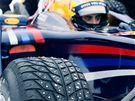 Buemi s F1 týmu Toro Rosso na zamrzlém jezeře