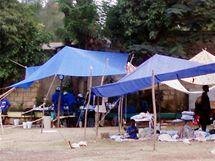 Provizorní nemocnice v Port-au-Prince.