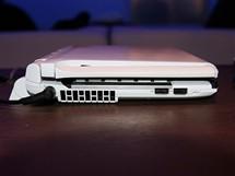 CES 2010 - notebook Onkyo s Windows 7 má dva displeje.