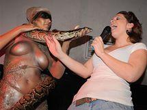 Míša Nosková hadovi příliš nevěřila