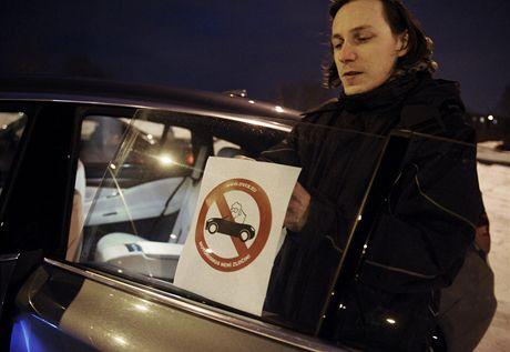 Motorismus není zločin. Řidiči se brání údajné šikaně na silnicích.