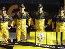 T�m F1 Renault 2010 (zleva): d�Ambrosio, Kubica, Petrov,  Ho-Pin Tung
