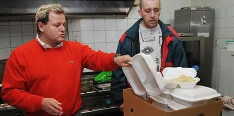 S nápadem rozdávání zbylého jídla přišel majitel brněnské restaurace Středověká krčma Richard Hošek