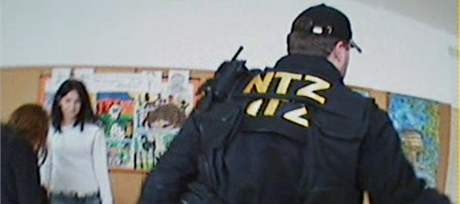 Záběr ze zásahu komanda NTZ.