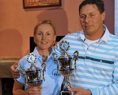 Veronika Fenclová a Michael Maier byli v pražském Yacht Clubu CERE vyhlášeni nejlepšími českými jachtaři roku 2009.
