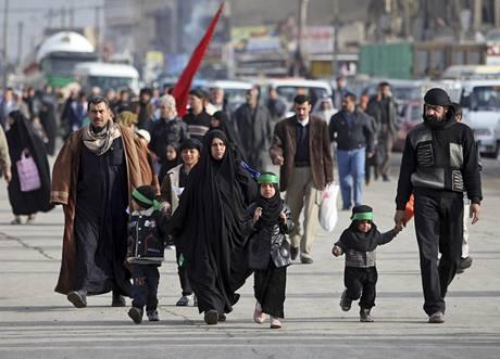 Šíitští poutníci na cestě do Karbaly