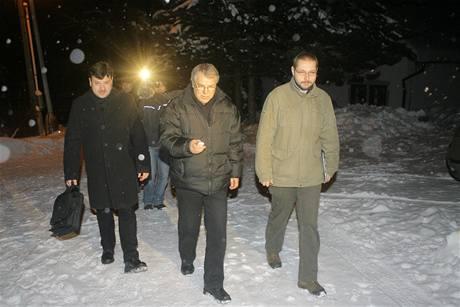Pracovníci Probační a mediační služby přichází na kontrolu Štefana Rolníka, prvního člověka v Česku odsouzeného k domácímu vězení.