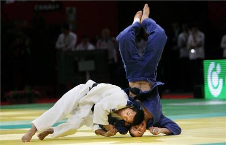 Jasuhiro Awano (v bílém) a Ugo Legrand