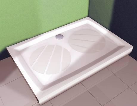 Vanička z litého mramoru s protiskluznou úpravou, lze ji použít i do paneláku