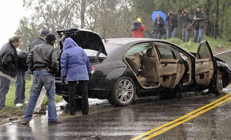 Nabouraný automobil herce Charlieho Sheena