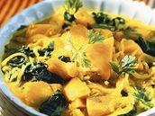Bramborovo-špenátové curry.