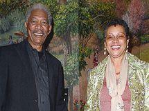 Morgan Freeman a Myrna.