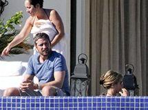 Na oslavu narozenin Jennifer Anistonové přijel i Gerard Butler