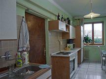 """Kuchyně má tvar dlouhé """"nudle"""""""