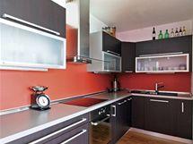 Kuchyně kopíruje tvar písmene L
