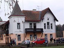 Gažiho zámeček, fotka z roku 2003, kdy na Velikonoce přijel Bolek Polívka.