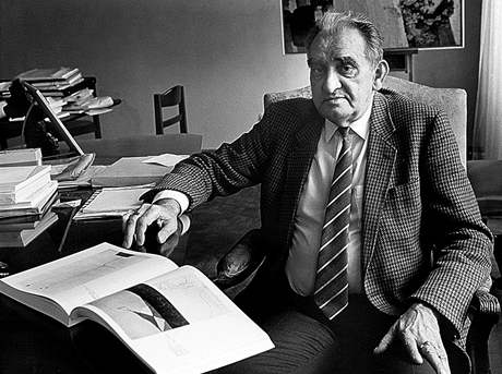 Dlouholetý šéf NG Jiří Kotalík na snímku z roku 1987