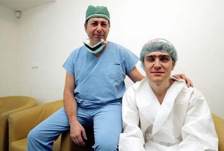 Profesor Martin Filipec a pacient Martin Valenta, Praha, březen 2007