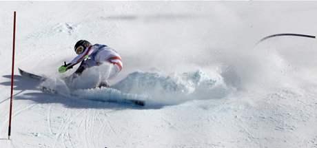 ZATRACENÁ BRANKA. Naděje na medaili v olympijské superkombinaci pohřbila  Elisabeth Görglová současně s pádem ve slalomu.