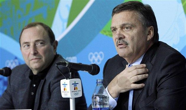 Komisioná� NHL Gary Bettman (vlevo) a �éf sv�tového hokeje René Fasel.