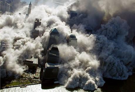 Dosud nezveřejněné záběry z útoku na newyorská dvojčata 11. září 2001.