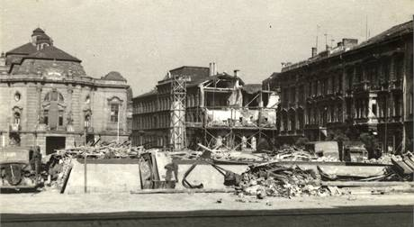Budova ústeckého muzea po bombardování města za druhé světové války.