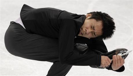 Nobunari Oda doplatil v olympijském závodě na přetrženou tkaničku. Závadu sice rychle odstranil, ale stálo ho to boj o medaile.