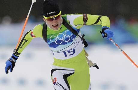 ZLATÝ FINIŠ. Slovenská biatlonistka Anastasia Kuzminová si běží pro olympijské zlato.