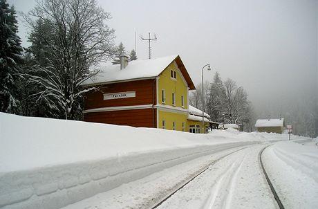 Železniční stanice v Perninku