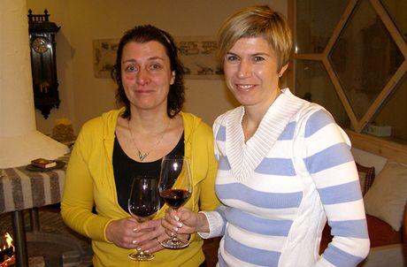 Itálie, Dolomity. Přípitek po úraze - Kateřina Neumannová a Dana Emingerová