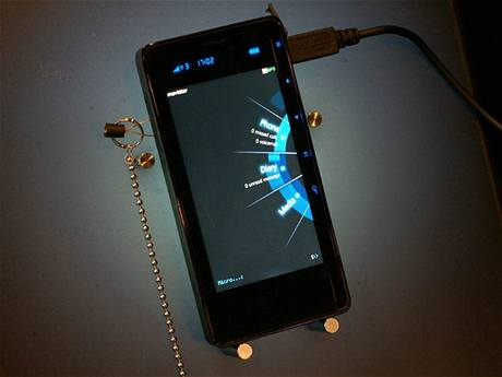 Smartphone Else Intuition od firmy Emblaze
