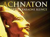 Přebal knihy Achnaton a Nefertiti faraoni slunce