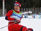 BUDU MÍT MEDAILI? Norka Marit Bjoergenová v cíli s napětím očekává výsledky svých soupeřek. Nakonec dokázala v závodě na 10 km vybojovat bronz.