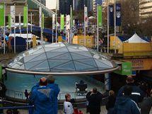 Robson Square, Vancouver - dopoledne před slavnostním zahájením olympijských her