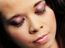 Stínování očí tak, jak by mělo vypadat