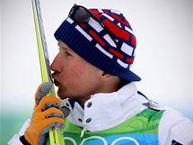 JELY DOBŘE. Lukáš Bauer s lyžemi, které ho dovezly k zisku bronzové medaile.