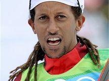 Etiposký běžec Zemichael Robel Teklemariam po závodě na 15 km volnou technikou. (15. února 2010)