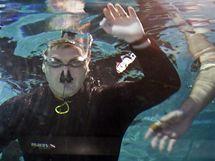 Peter Colat vydržel pod vodou 19 minut a 21 vteřin