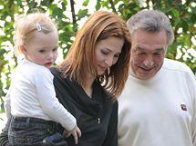 Karel Gott s manželkou a dcerami