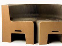 Roztahovací kartonová lavice Flexible Love, autor Chishen Chiu, Tchajwan